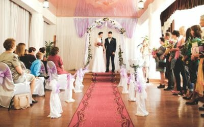 Is it advisable to marry in Hong Kong without an agency?
